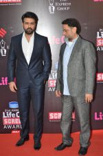 Harman Baweja, Harry Baweja at Life Ok Screen Awards red carpet in Mumbai on 14th Jan 2015(198)_54b7d30622818.JPG