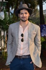 Ali Fazal at Mid-day race in RWITC, Mumbai on 18th Jan 2015 (203)_54bcd73d1e9b2.JPG