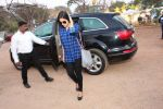 Asin Thottumkal snapped arriving for her movie song shoot in Mumbai on 17th Jan 2015 (21)_54bca2e066699.JPG