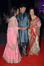 shatrughan sinha, Poonam Sinha, Sonakshi Sinha at Kush Wedding Reception in Sahara Star, Mumbai on 19th Jan 2015 (220)_54be17490eb70.JPG
