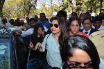 Rani Mukherjee at Mumbai university in Santacruz, Mumbai on 20th Jan 2015 (15)_54bf54583b1ac.JPG