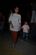 Kiran Rao snapped with Azad Rao in Worli, Mumbai on 22nd Jan 2015 (7)_54c209c49a7c8.JPG