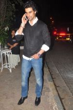 Kunal Kapoor snapped in Mumbai on 23rd Jan 2015 (4)_54c4b2c883398.JPG