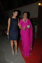 Tanuja, Tanisha Mukherjee at Bappi Lahiri_s wedding anniversary in Juhu, Mumbai on 23rd Jan 2014 (78)_54c4b5503fce8.JPG