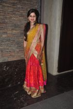 at Soha Ali Khan_s mehendi in Khar on 23rd Jan 2015 (28)_54c499b2d6962.JPG