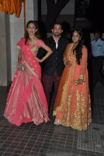 Amrita Arora, Arpita Khan at Soha Ali Khan and Kunal Khemu_s wedding Reception in Mumbai on 25th Jan 2015 (330)_54c61ab5b03a1.JPG
