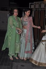 Babita, Kareena Kapoor at Soha Ali Khan and Kunal Khemu_s wedding Reception in Mumbai on 25th Jan 2015 (283)_54c61b04a39fa.JPG