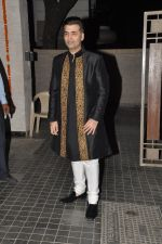 Karan Johar at Soha Ali Khan and Kunal Khemu_s wedding Reception in Mumbai on 25th Jan 2015 (281)_54c61b4691163.JPG
