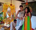 Kavita Kaushik and Shibani Kashyap at Bappi Lahiri_s Saraswati Puja_54c612fce4791.jpg
