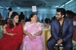 Arjun Kapoor, Kokilaben Ambani at Dr Jamuna Pai_s book launch in Mumbai on 27th Jan 2015 (34)_54c8c46e92818.JPG