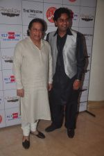 Anup Jalota at Jagjit Singh_s birth anniversary in Mumbai on 3rd Feb 2015 (78)_54d1c7bde1d5b.JPG