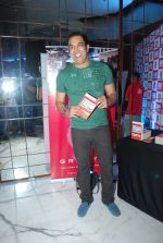Vindu Dara Singh at Arya Babbar_s book launch in Enigma on 4th Feb 2015 (47)_54d32e0501bde.JPG