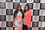 Arpita Khan at Asha Karla_s summer 2015 couture collection hosted by Arpita Khan in Juhu, Mumbai on 5th Feb 2015 (98)_54d4763f5373f.JPG