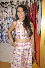 Mini Mathur at Asha Karla_s summer 2015 couture collection hosted by Arpita Khan in Juhu, Mumbai on 5th Feb 2015 (11)_54d47802a3b34.JPG