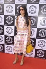 Mini Mathur at Asha Karla_s summer 2015 couture collection hosted by Arpita Khan in Juhu, Mumbai on 5th Feb 2015 (18)_54d47769ce4c3.JPG
