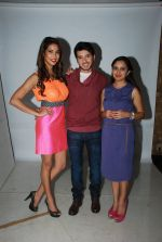 Prachi Mishra, Divyendu Sharma at the Promotion of the film Dilliwaali Zaalim Girlfriend in Andheri, Mumbai on 5th Feb 2015 (22)_54d47eea7d698.JPG