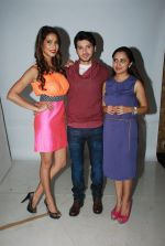 Prachi Mishra, Divyendu Sharma at the Promotion of the film Dilliwaali Zaalim Girlfriend in Andheri, Mumbai on 5th Feb 2015 (25)_54d47ef2822a7.JPG