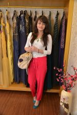 Sneha Ullal at Asha Karla_s summer 2015 couture collection hosted by Arpita Khan in Juhu, Mumbai on 5th Feb 2015 (122)_54d477118a562.JPG