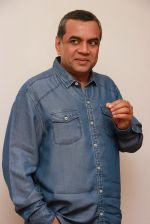 Paresh Rawal at Pilate instructor Narata Purohit_s 4th anniversary bash in Santacruz, Mumbai on 7th Feb 2015 (18)_54d75195ecf04.jpg