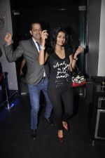 Sonali Raut, Rahul Mahajan at Rj Pritam bash in F Bar on 7th Feb 2015 (39)_54d74e356078d.JPG