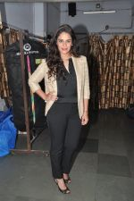 Mona Singh watch the play unfaithfully Yours on 8th Feb 2015 (21)_54d85a7b2a3ba.JPG