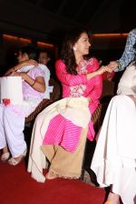 Juhi Chawla at the launch of RUBARU fusion show in Mumbai on 11th Feb 2015 (5)_54dc64cf0117a.jpg