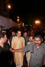 Uddhav Thackeray at Designer Manali Jagtap_s Wedding Reception in Mumbai on 11th Feb 2015 (105)_54dc63c6731e8.jpg