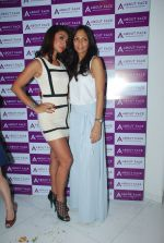 Mahek Chahal, Shamita Singha at About face salon launch in Khar, Mumbai on 12th Feb 2015 (88)_54ddeef09183e.JPG