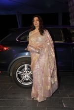 Juhi Chawla at Smita Thackeray_s son wedding reception in Sahara Star, Mumbai on 13th Feb 2015 (114)_54e000e54d4ff.JPG