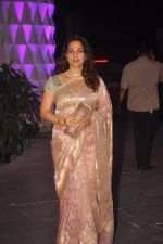 Juhi Chawla at Smita Thackeray_s son wedding reception in Sahara Star, Mumbai on 13th Feb 2015 (151)_54e000e76caad.JPG