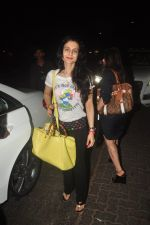 Ameesha Patel Snapped in Mumbai on 19th Feb 2015 (2)_54e6ee9ac24ad.JPG
