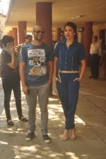 Anushka Sharma, Neil Bhoopalam at Red FM in Mumbai on 19th Feb 2015 (30)_54e6eedf5c862.JPG