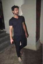 Karan Wahi at pvr to watch badlpaur on 20th Feb 2015 (18)_54e891e0570ad.jpg