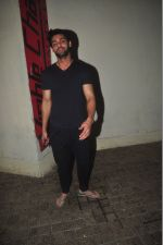 Karan Wahi at pvr to watch badlpaur on 20th Feb 2015 (21)_54e891fb055c6.jpg