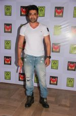 Eijaz Khan at Vinofest launch in Phoneix Market City, Kulra on 21st Feb 2015 (86)_54e9e06180e20.jpg