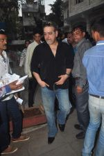 Ravi Behl  snapped at Madhur_s mom prayer meet in Santacruz, Mumbai on 23rd Feb 2015 (4)_54ec2c356e7c4.JPG