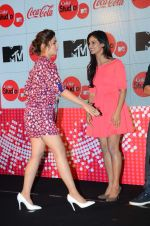 Shakti Mohan, Alia Bhatt at MTV Coke studio press meet in Villa 69 on 23rd Feb 2015 (132)_54ec37fae40c0.JPG