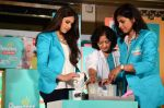 Genelia D_souza at Pampers Press meet in Palladium on 24th Feb 2015 (32)_54ed8ea3bcc20.JPG