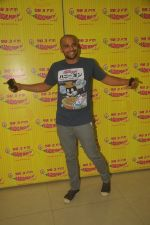 Neil Bhoopalam at Radio Mirchi studio for promotion of NH10 (3)_54ed70de4fb2b.jpg