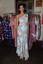 Manasvi Mamgai at Nisha Sainani_s SS15 and Mrinalini Chandra for Mineralini collection Launch on Mumbai on 25th Feb 2015 (66)_54eec82084dfc.JPG