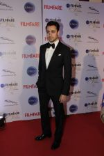 Imran Khan at Ciroc Filmfare Galmour and Style Awards in Mumbai on 26th Feb 2015 (81)_54f077176c25a.JPG