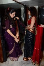 Varsha Usgaonkar at Shaina NC preview for Pidilite show in Mumbai on 26th Feb 2015 (5)_54f06d4e2e99d.JPG