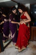Varsha Usgaonkar at Shaina NC preview for Pidilite show in Mumbai on 26th Feb 2015 (6)_54f06d4f43ed0.JPG
