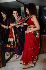 Varsha Usgaonkar at Shaina NC preview for Pidilite show in Mumbai on 26th Feb 2015 (8)_54f06d528f43b.JPG