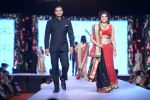 Varsha Usgaonkar at Shaina NC-Manish Malhotra Pidilite Show for CPAA on 1st March 2015 (264)_54f465667025f.JPG
