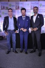 Anil Kapoor, Abhinay Deo at the launch of Resovilla in association with Disha Direct and Abhinay Deo in The Club on 2nd March 2015 (52)_54f57a4b56f85.JPG