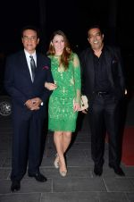 Danny, Dina Umarova, Vindu Dara Singh at Tulsi Kumar_s wedding reception in Sahara Star, Mumbai on 2nd March 2015 (134)_54f5ac5059db5.JPG