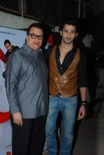 Sidhant Gupta, Ramesh Taurani at Badmashiyan screening in Sunny Super Sound on 3rd March 2015 (52)_54f70b6871193.JPG