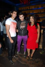 Aditya Singh Rajput at Ankit Tiwari_s birthday bash in Bora Bora on 5th March 2015 (41)_54f9a38cca86c.JPG