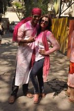Deepshikha, Kaishav Arora at Shabana Azmi_s holi bash in Mumbai on 5th March 2015 (131)_54f9b683e9050.JPG